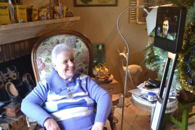 RoboCARE Lab installe son robot de téléprésence SAM dans les logements des seniors isolés