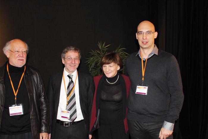 De gauche à droite : Richard Vercauteren, Pierre-Olivier Lefebvre, Michèle Delaunay  et David Séguéla lors d'un congrès du GAG