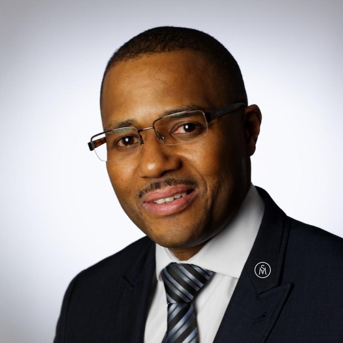 Jean-Luc Stanislas, fondateur de la plateforme ManagerSante.com, consultant en management, membre expert à la HAS (Haute Autorité de Santé).
