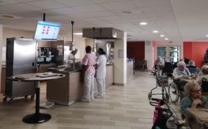 Le plan de table numérique s'affiche directement sur les écrans équipant la salle à manger. ©DR